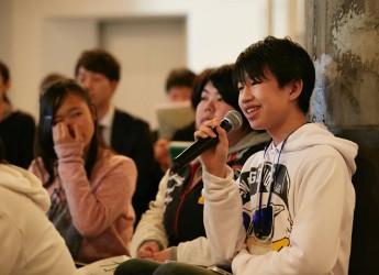 クラウドファンディングに挑戦している子どものまち「ミニヨコハマシティ」の百崎佑さん=右橋